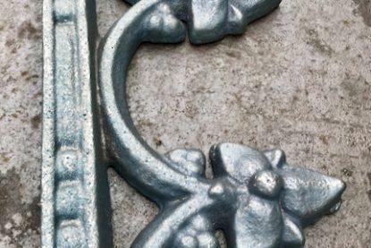 Custom Iron Foundry Spikes (1)